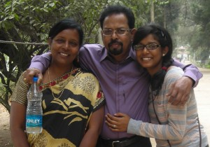 Tarun with his wife Suniti and daughter Tripti.